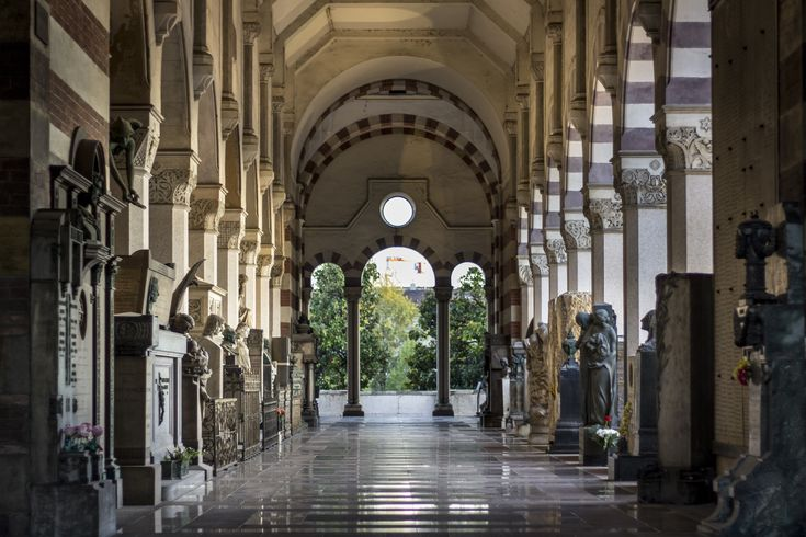 Long Hallway. Cimitero Monumentale di Milano.