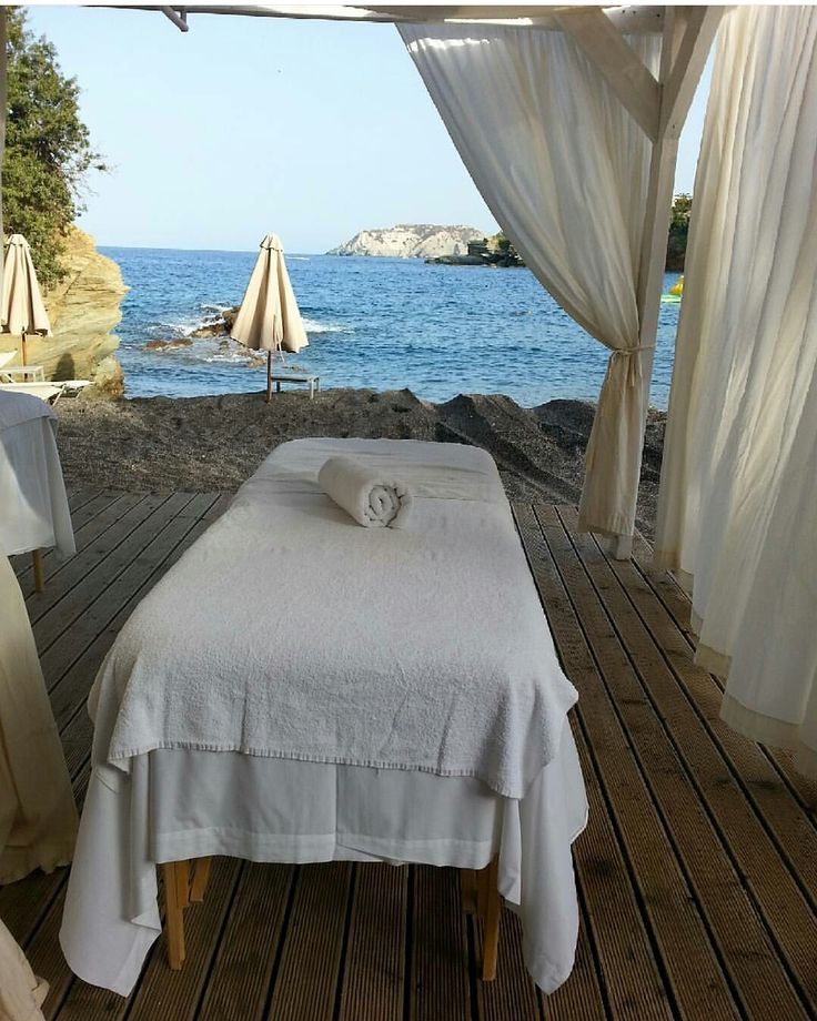 Just relax and enjoy your massage by the relaxing sound of the sea