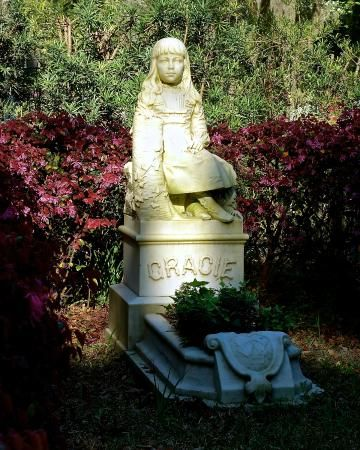 Bonaventure Beauty - Picture of Bonaventure Cemetery, Savannah ...