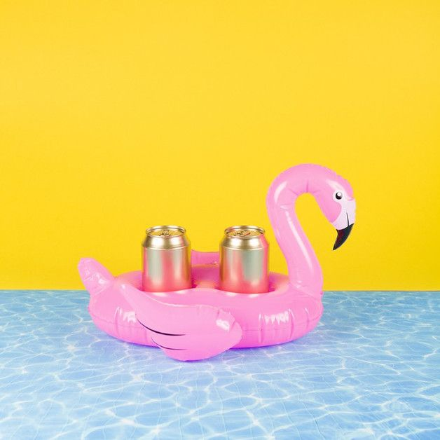 Witziges Accessoire für den Urlaub, schwimmender Getränkehalter Flamingo / flamingo air mattress for drinks, summer essentials made by Lieblingsmensch24 via DaWanda.com
