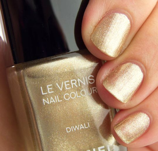 Metallic Gold Nail Polish: 31 Best Metallic Gold Nail Polish Images On Pinterest
