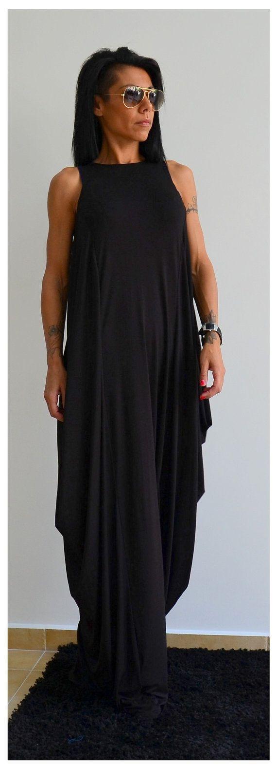 Schwarze lange lose Kleid / Maxi Kleid / von ClothesByLockerRoom