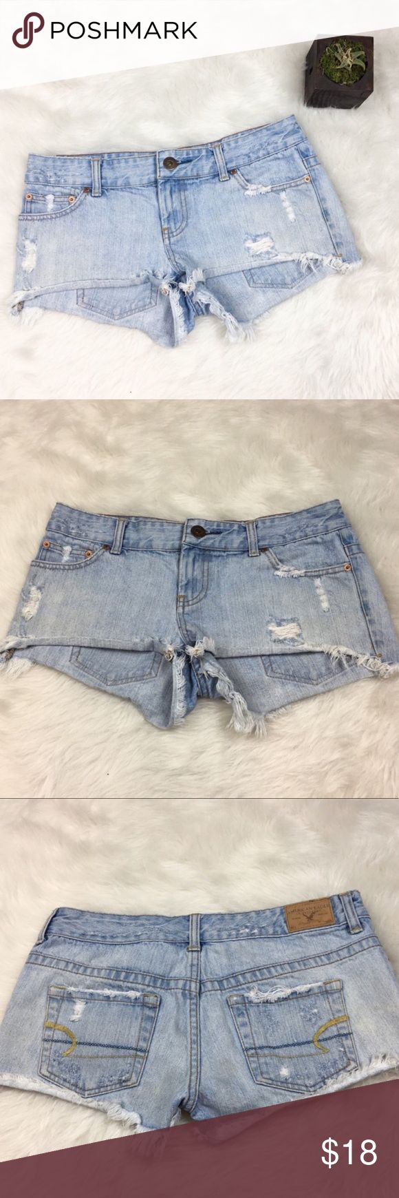 American Eagle Light Wash Cut Out Shorts American Eagle distressed light wash cut off shorts. Size 2 with 2' inseam. GUC with no major flaws and basic wear. ❌No trades ❌ Modeling ❌No PayPal or off Posh transactions ❤️ I 💕Bundles ❤️Reasonable Offers PLEASE ❤️ American Eagle Outfitters Shorts Jean Shorts