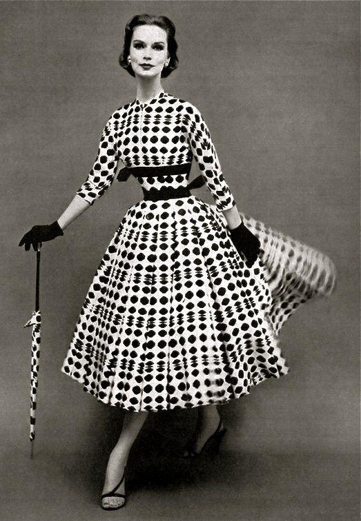 Anos 50 - Parte 3: Moda Feminina