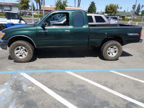 1999 TOYOTA TACOMA SR5 PRE-RUNNER For Sale by Owner
