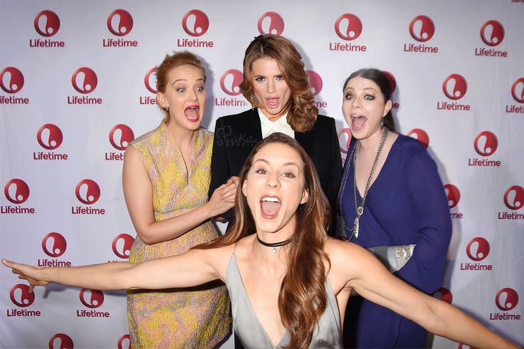 Stana Katic Brasil в Твиттере: «There, fixed it! All 4 sisters together. …