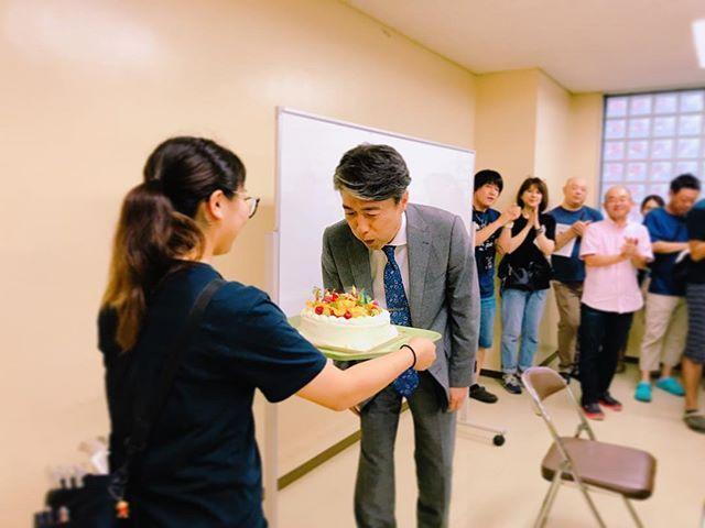 女子刑務所所長・護摩はじめ役の#池田成志 さんがクランクインしました!  #監獄のお姫さま  #27日は池田さんの誕生日 #みんなでお祝いしました #池田さんちょっと恥ずかしそうでした #続々とキャストがクランクインしています