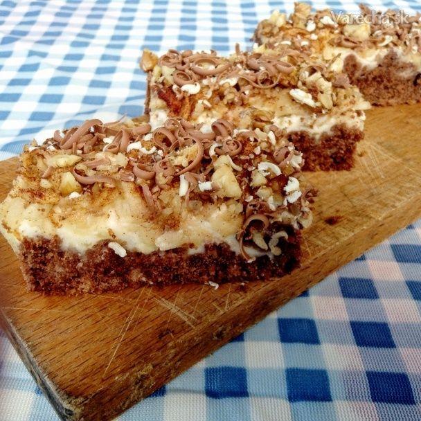 Tvarohovo-jablkový koláč na podstielke z mrveničky (fotorecept) - Recept