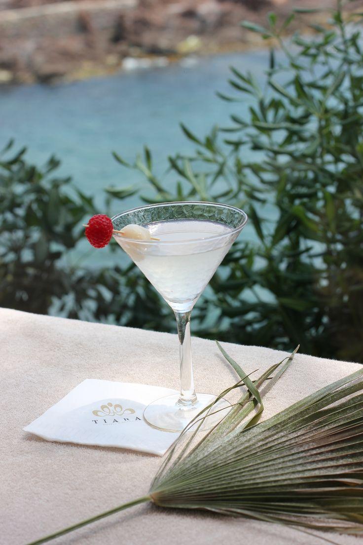 Lychee & Raspberry Martini - Vodka framboise, liqueur de litchi, citron vert et sirop de litchi - Lychee & Raspberry Martini - Raspeberry vodka, lychee liquor, lime and lychee syrup