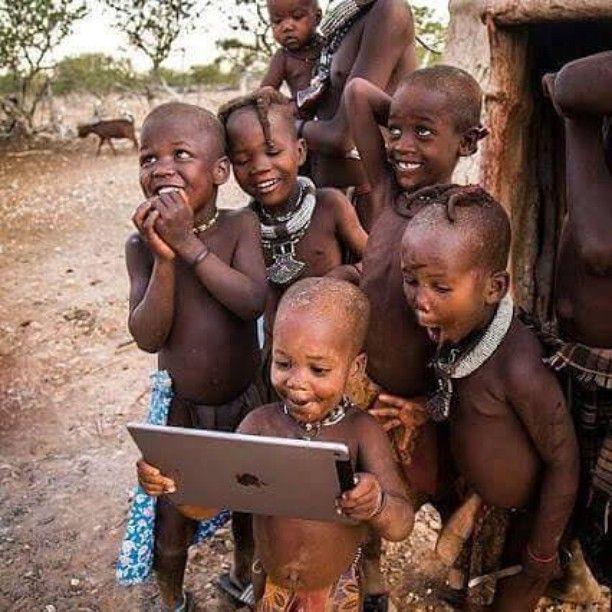 Les enfants d'Afrique quand ils voient pour la première fois une vidéo de Caleb!!!