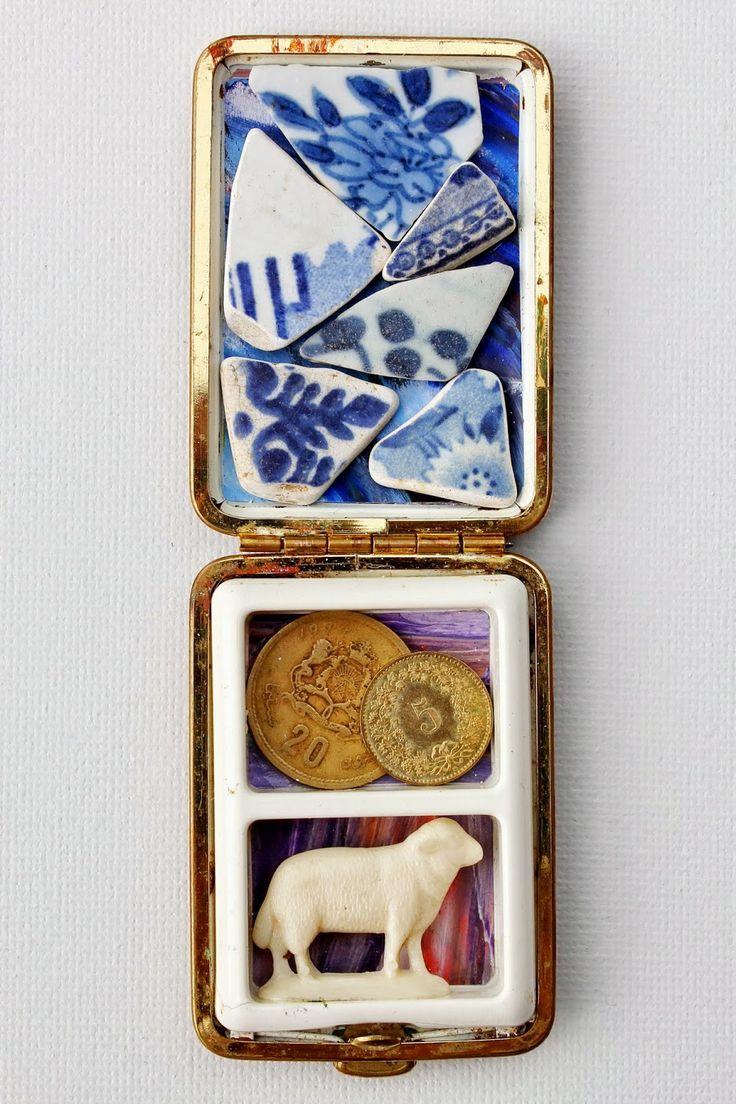mano kellner, project 2014, wunderkammer nr 12, mitgift - Normale Menschen sammeln kleine magische Artefakte als Glücksbringer und tragen diese mit sich herum (Scherben von bes. Orten, Münzen, Tieramulette...)