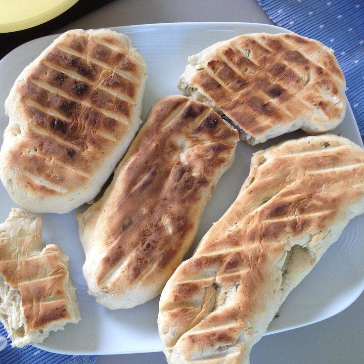 Rezept Fladenbrot vom Grill (Grillbrot) von feinschmecker_234 - Rezept der Kategorie Brot & Brötchen