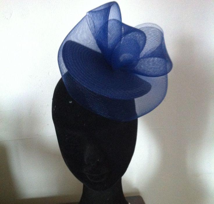 Chapeau, bibi de mariage en crin bleu