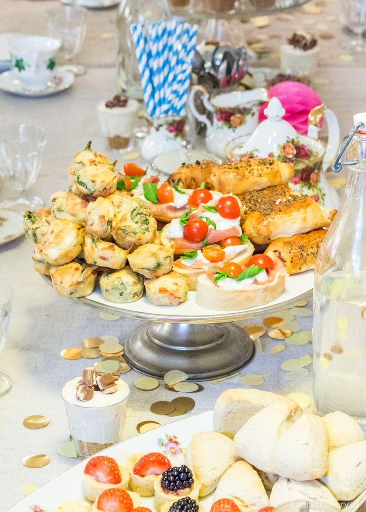 High-tea menu voor Pasen - Laura's Bakery