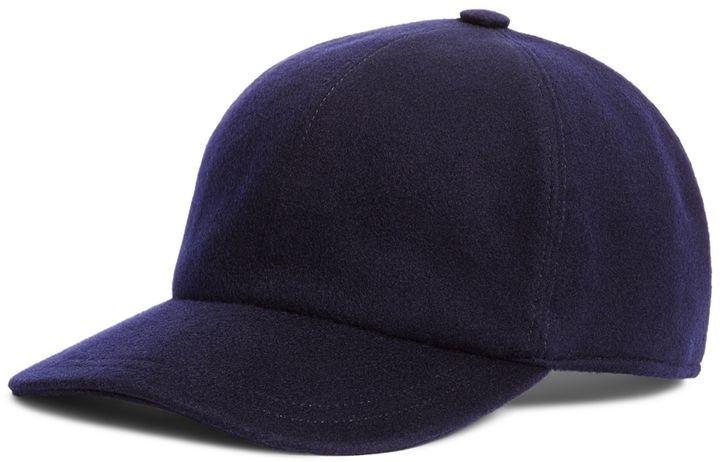 €130, Gorra de Béisbol Azul Marino de Brooks Brothers. De Brooks Brothers. Detalles: https://lookastic.com/men/shop_items/31623/redirect