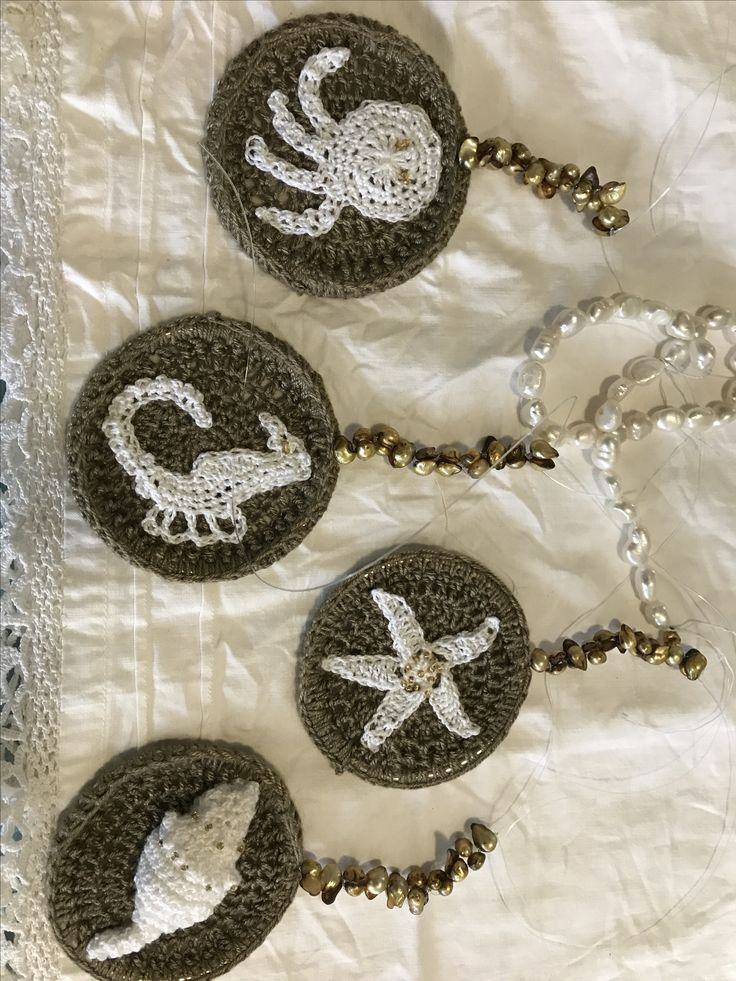 Crochet sea motifs for dream catcher with water pearls