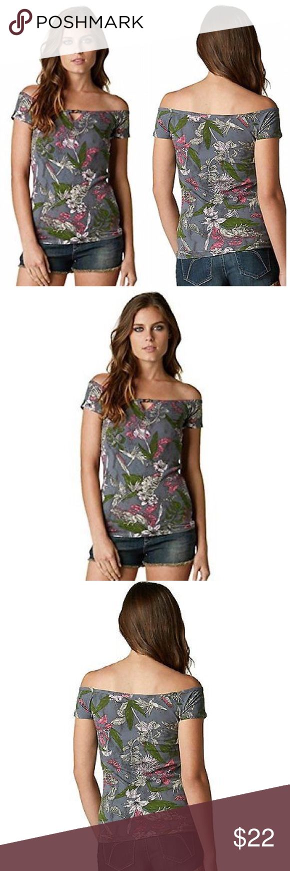 🆕Fox Racing Exotic Short Sleeve Top ·      100% Combed Cotton Jersey ·      Fox Racing Exotic Short-Sleeve Top Shirts for Girls ·      Body concious off shoulder, short sleeve short-sleeve-top with all over art print ·      Notch at center front with metal Fox link Fox Tops