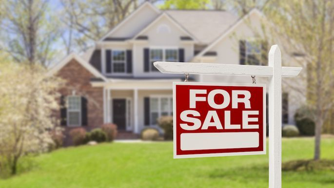 Do You Own Unwanted Rental Property Are You In Foreclosure Or Are About To Be Doesn T Matter Whether You Live In It Selling House Sale House Sell My House