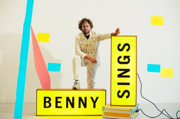 Benny Sings - Photos - Press Photos