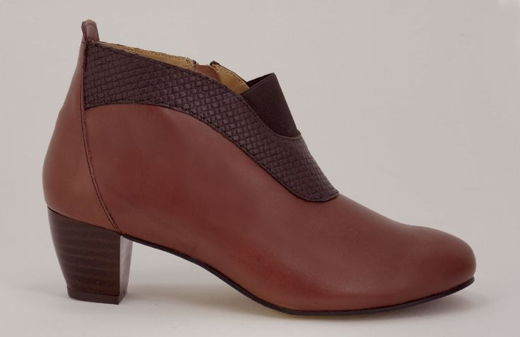Natural Steps - Our Health Range Handmade Genuine Leather Boots. R 989. Chestnut/Choc medium heel ankle boot. Handcrafted in Durban, South Africa. Code: 7006 Shop for Natural Steps online https://www.thewhatnotshoes.co.za Free delivery within South Africa
