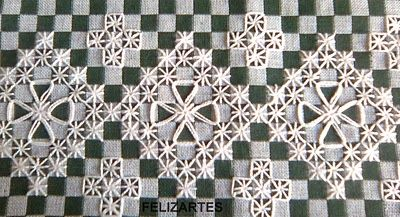 Broderie Suisse / Swiss Embroidery / Chicken Scratch - Stitch Image - Geometric