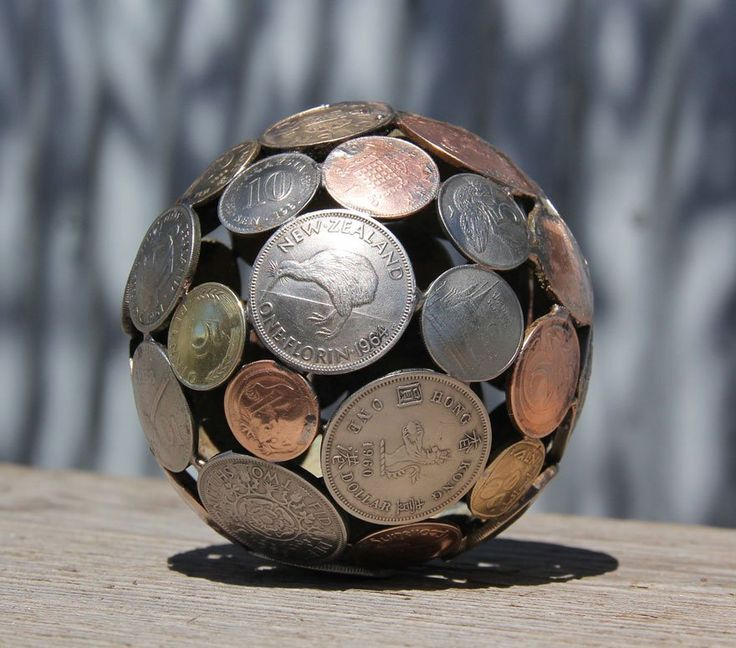 Australian Artist Turns Old Keys and Coins Into Recycled Art