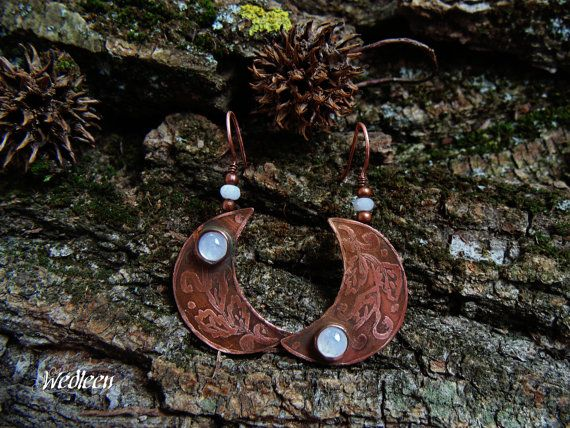 Copper earrings with moonstones. by JewellerybyWedleen on Etsy