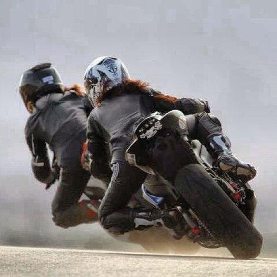 17 meilleures id es propos de bottes moto sur pinterest bottes moto homme bottes de motard. Black Bedroom Furniture Sets. Home Design Ideas