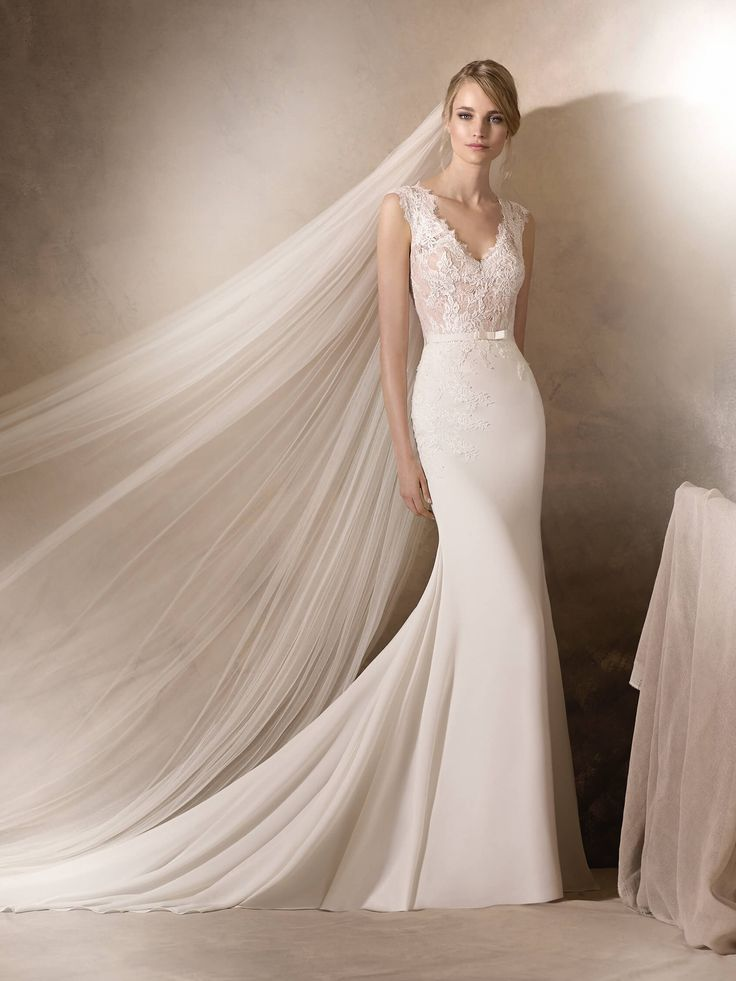 HALDISA - Wedding dress in crepe, Chantilly and lace - The Dressing Room in St pete - $1500-1999