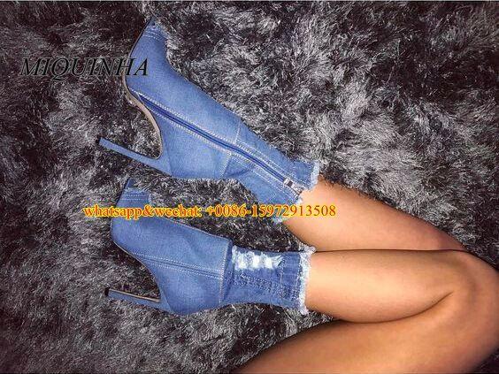 2017 nuevo estilo de diseño único de mezclilla azul medio botas cut-out embellecido delgado jeans mediados de tacón alto peep toe vestido de la media pantorrilla botas