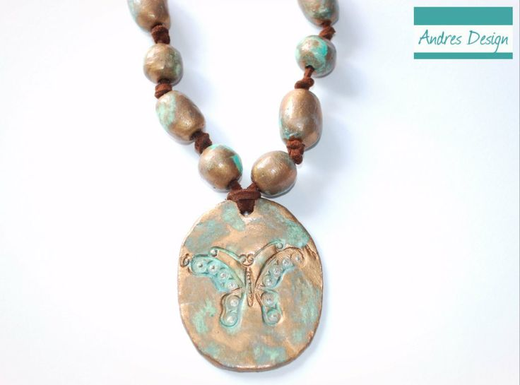 Butterfly hand painted neckless - vintage aspect