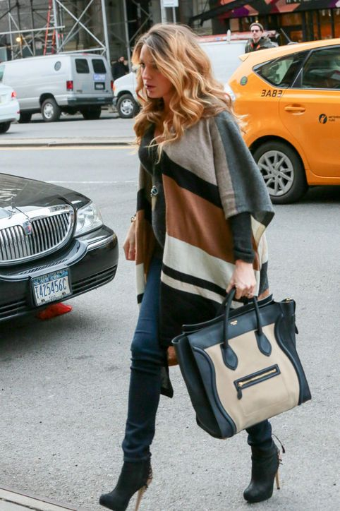 Cute pregnant Blake Lively