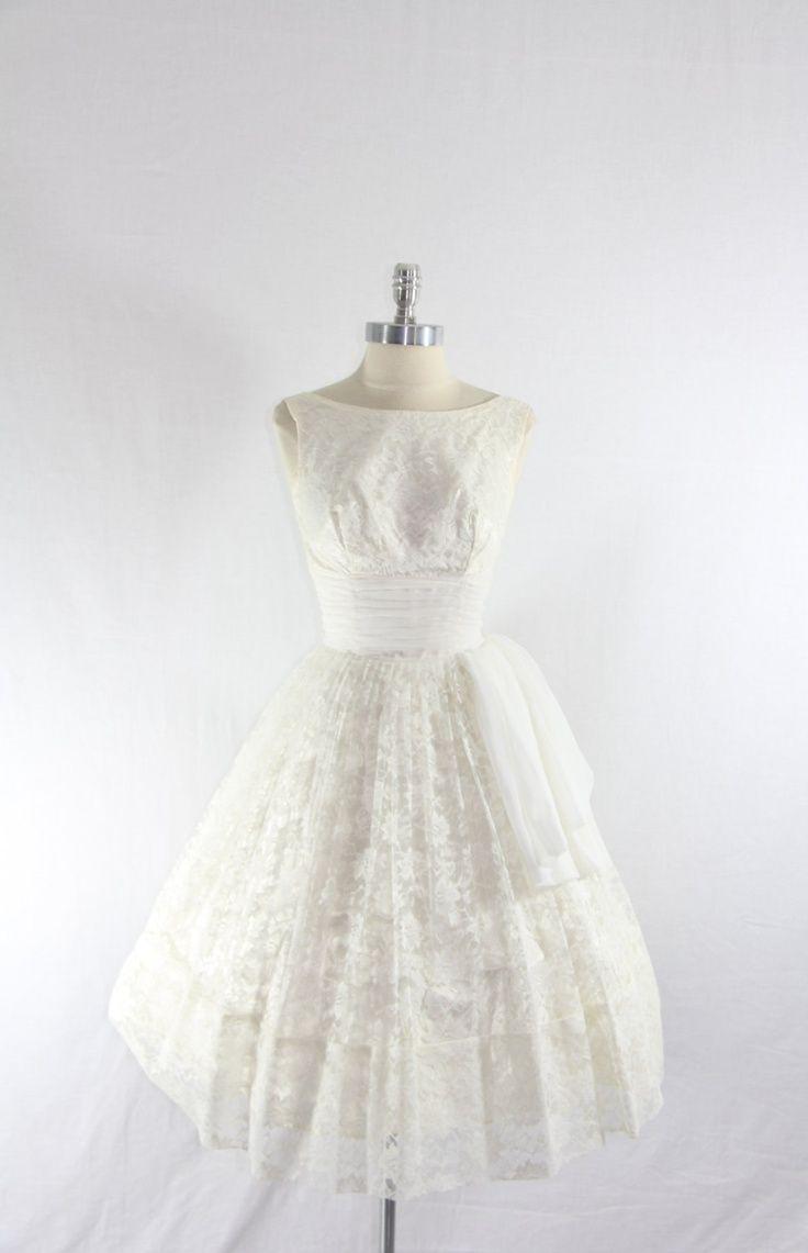Best 25 short vintage wedding dresses ideas on pinterest for Vintage wedding dress short