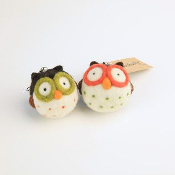 Woolbuddy: Owl Needle Felting Kit