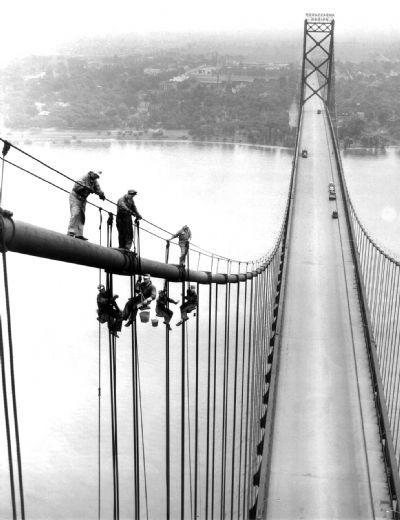 Painters at work on the Ambassador Bridge on July 12, 1953. (The Detroit News)