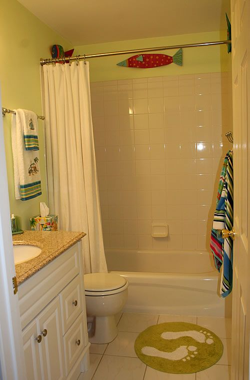 17 best images about bathroom design and decor on for Best bathrooms for kids