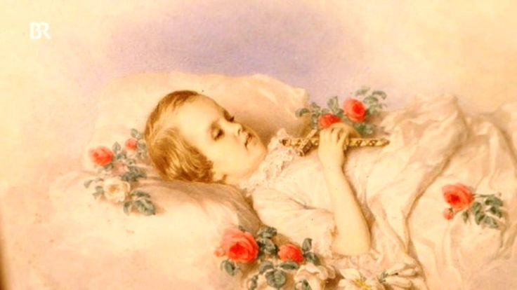 Sophie, first daughter from Elisabeth (Sissi) of Austria on her deathbed. She died in the age of 2 from diarrhoea and temperature