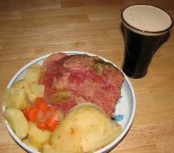 New England Boiled Dinner In Pressure Cooker recipe from ifood.tv. Remove the bag from the corned beef, and place on a rack in a small pressure cooker. Add water, bay leaf and g