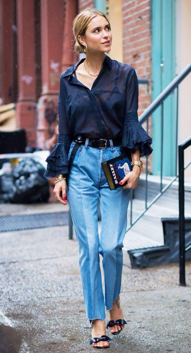 Azul marino y denim detalle mangas de la blusa y mules. Un clásico muy chic.