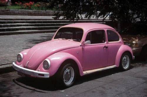 voiture rose                                                                                                                                                                                 Plus