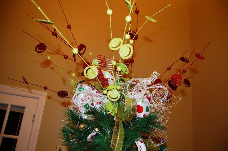23 Best Images About Christmas Tree Gold Ribbon On Pinterest