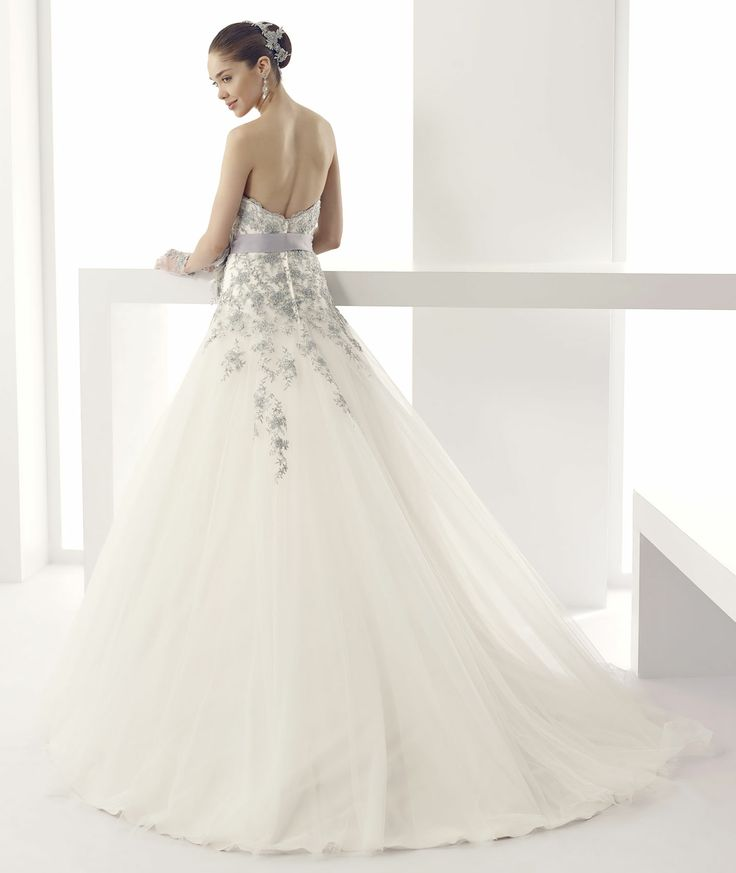 #Jolies #2015Collection #wedding dress #nicolespose ► http://www.nicolespose.it/it/abito-da-sposa-Jolies-Josie-JOAB15494IVGE-2015?utm_source=facebook.com&utm_medium=post&utm_term=JOAB15494IVGE&utm_content=collezione2015&utm_campaign=jolies