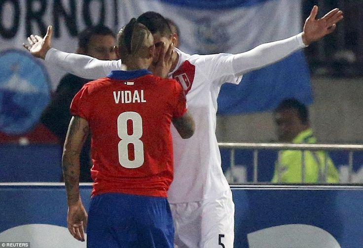 Arturo Vidal was luckily to escape a sending off after pushing Zambrano in the face during the Copa America semi-final. Copa  America Chile 29.6.15