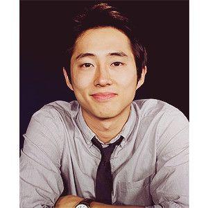 "Steven Yeun (Glenn in ""The Walking Dead"") --probably the only Korean face i find attractive <3 best zombie killer everrrr"