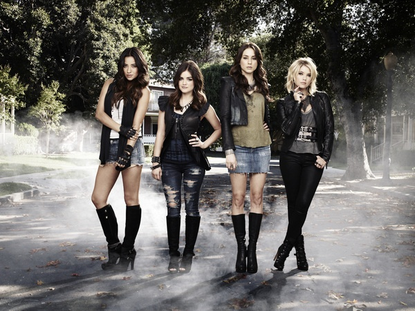 Pretty Little Liars stars Shay Mitchell, Lucy Hale, Troian Bellisario & Ashley Benson!