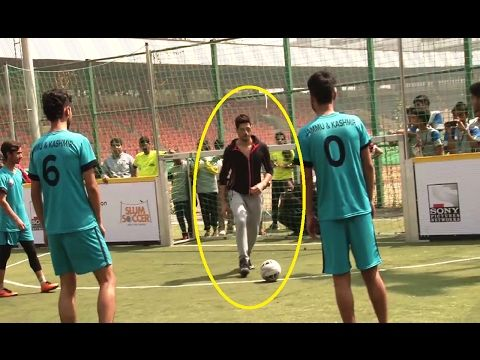 Sidharth Malhotra CAUGHT playing football | National Inclusion Cup 2017.