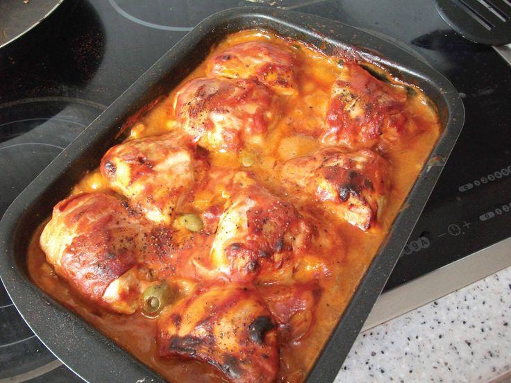 Szaftos csirkecomb baconbe tekerve – a férjek odavannak érte! :)