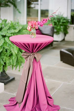 Love the way this table is tied
