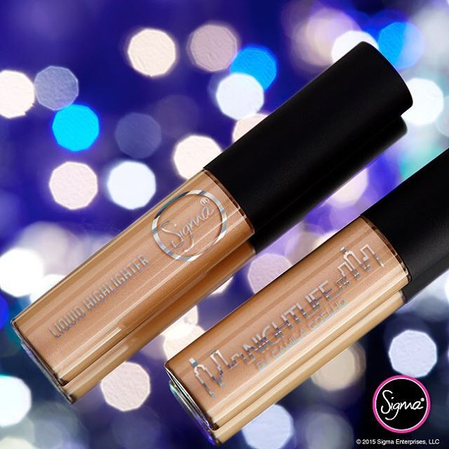 We call it: liquid gold. ✨ This pearlized #highlighter from the #NightlifebyCamilaCoelho Collection will give a radiant #glow on all complexions. // #sigmabeauty #camilacoelho: