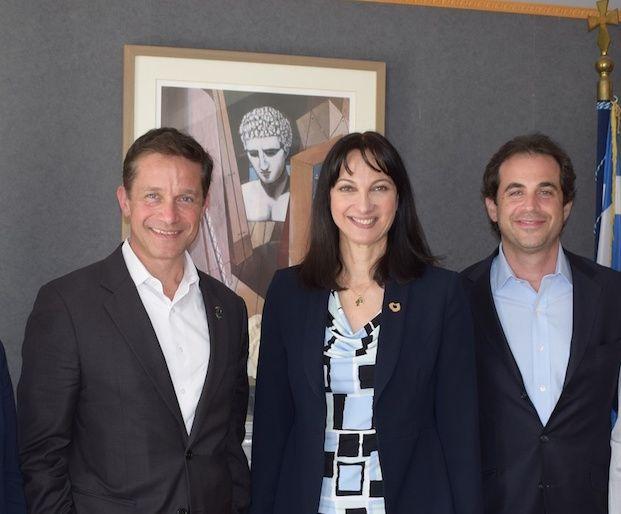 Συνάντηση της Υπουργού Τουρισμού Έλενας Κουντουρά με τον ωκεανογράφο και ερευνητή Fabien Cousteau για τις δυνατότητες ανάπτυξης συνεργασιών στην Ελλάδα
